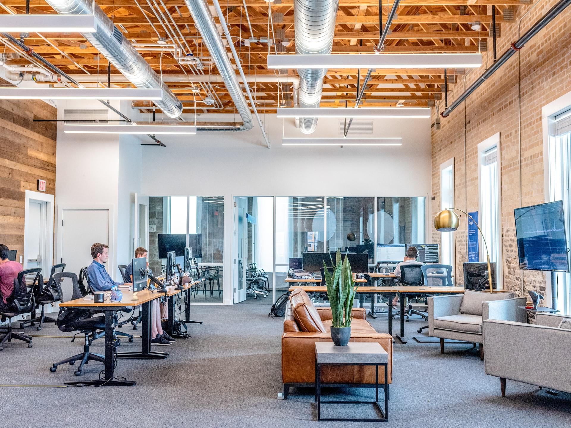 3 tips til at indrette kontoret til mere produktivitet